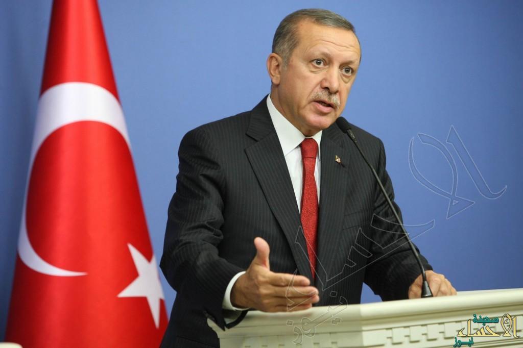 """أردوغان يعلن يوم """"الانقلاب"""" عطلة وطنية في #تركيا"""