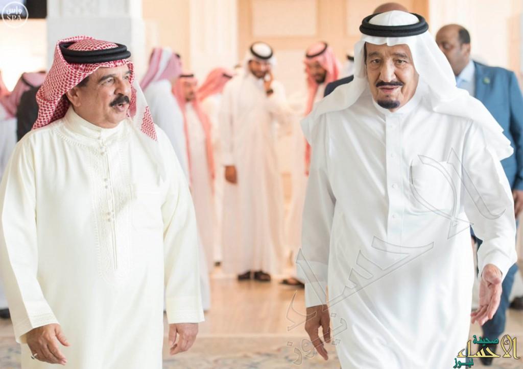 بالصور.. #خادم_الحرمين_الشريفين يستقبل ملك #البحرين في مقر إقامته بالمغرب