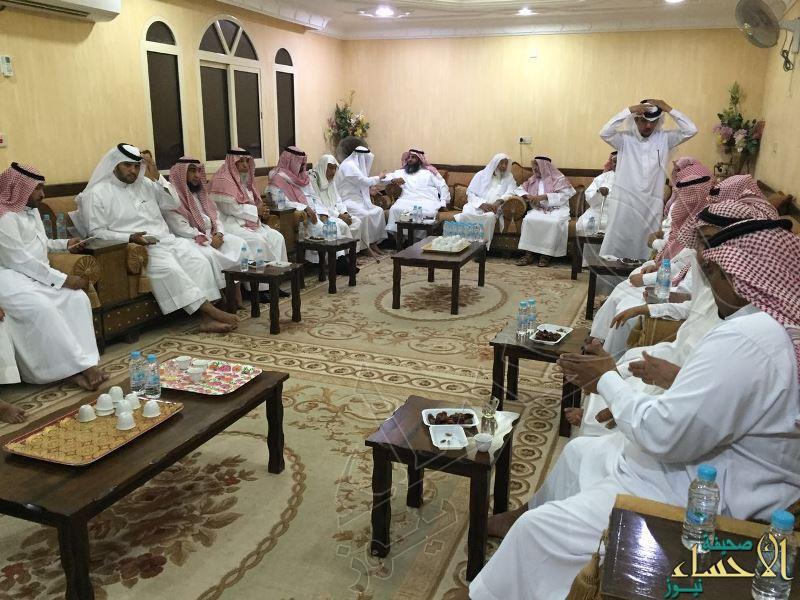 بالصور… مجلس أسرة السليم الكليب بمدينة العيون يقيم حفل معايدة للأهل والأقارب