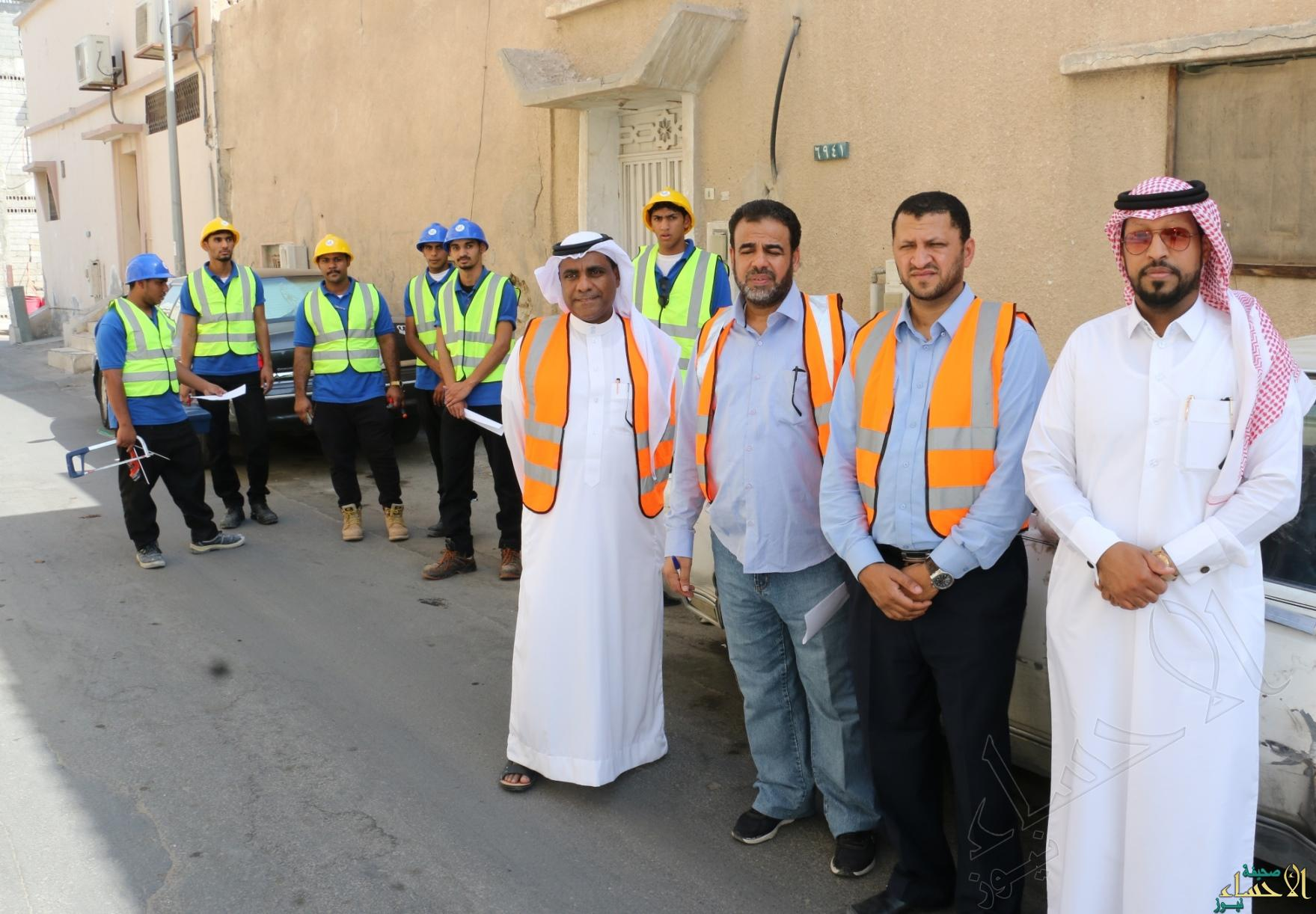 فريق الصيانة التطوعية مع مندوب جمعية البر