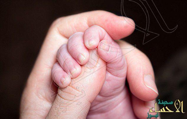 في ألمانيا: العثور على رضيعة حية وهيكل عظمي لرضيع داخل حقيبة
