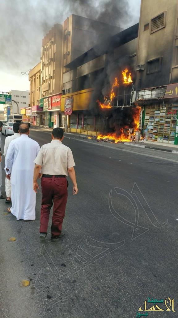 """بالصور.. #الأحساء تستيقظ على حريق في شارع """"النجاح"""""""