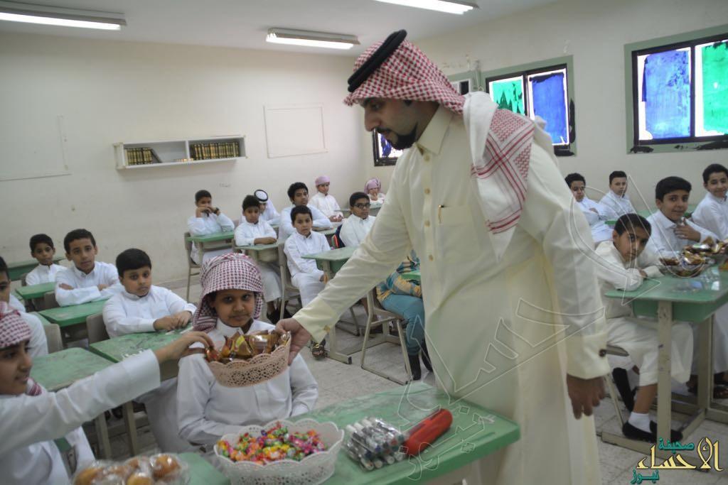 متوسطة لبيد بن ربيعة تستقبل طلابها وتهنِّئهم بالعام الدراسي الجديد