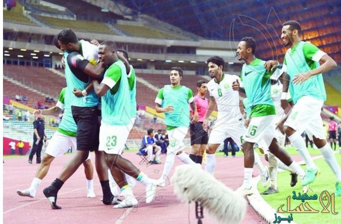 طاقم كوري جنوبي يدير لقاء الأخضر أمام الإمارات