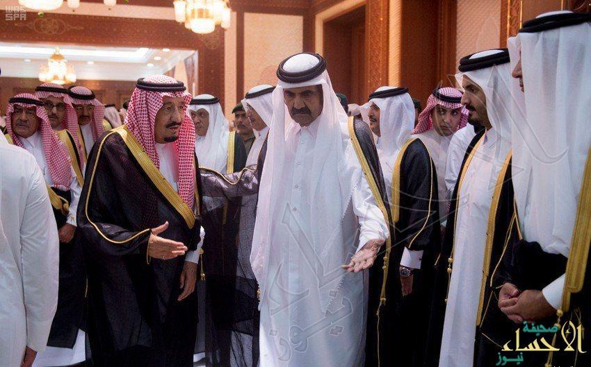 لقطات مصورة توثق عزاء خادم الحرمين أمير قطر والشيخ حمد في وفاة الشيخ خليفة بن حمد