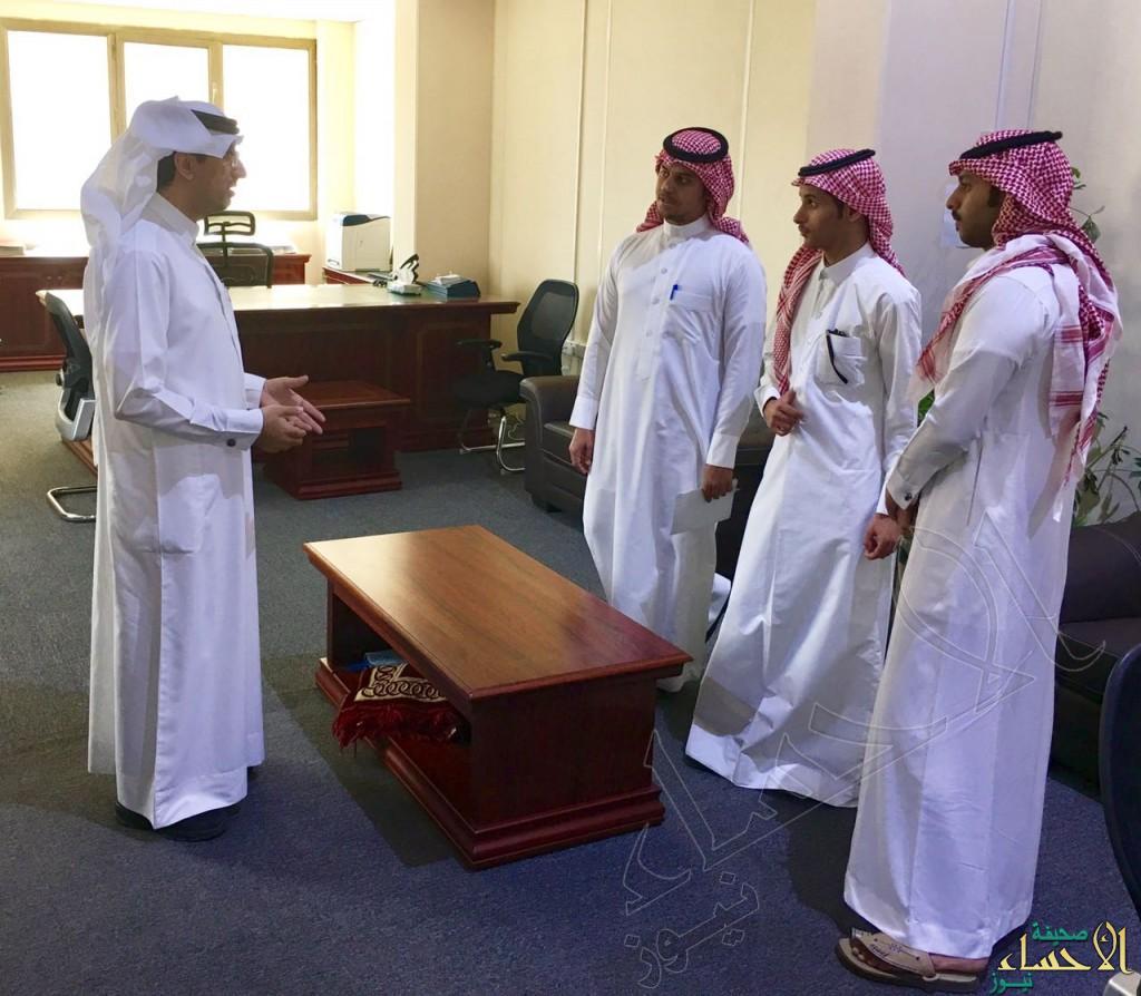 """خريجوا """"الإعلام والاتصال"""" بجامعة الملك فيصل يتدربون ميدانياً في بلدي الأحساء"""