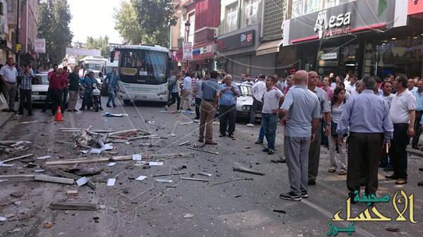 #تركيا .. انفجار سيارة مفخخة بمركز تجاري في أنطاليا