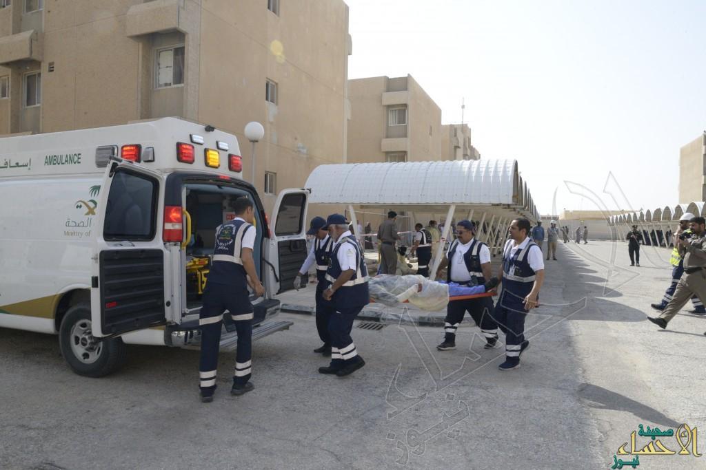 """بالصور.. """"فرضية"""" حريق تُنقذ 6 مصابين بإدارة التمريض في الأحساء"""