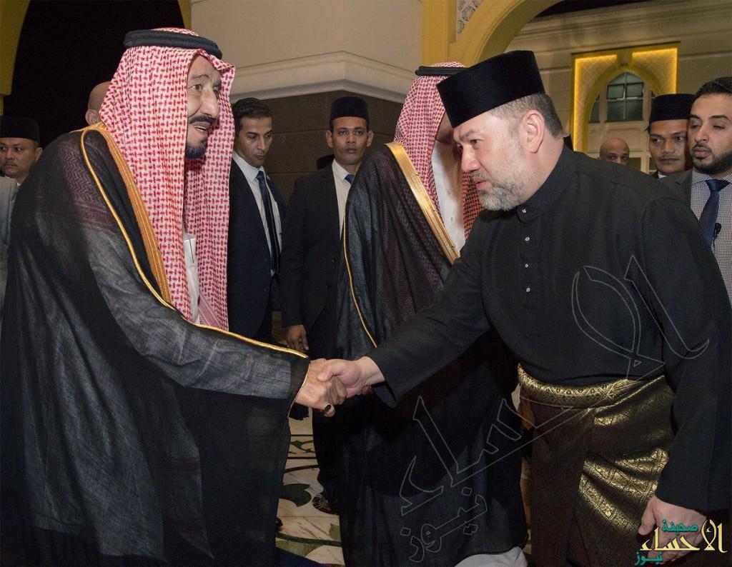 بالصور.. خادم الحرمين الشريفين يُشرّف حفل عشاء ملك ماليزيا