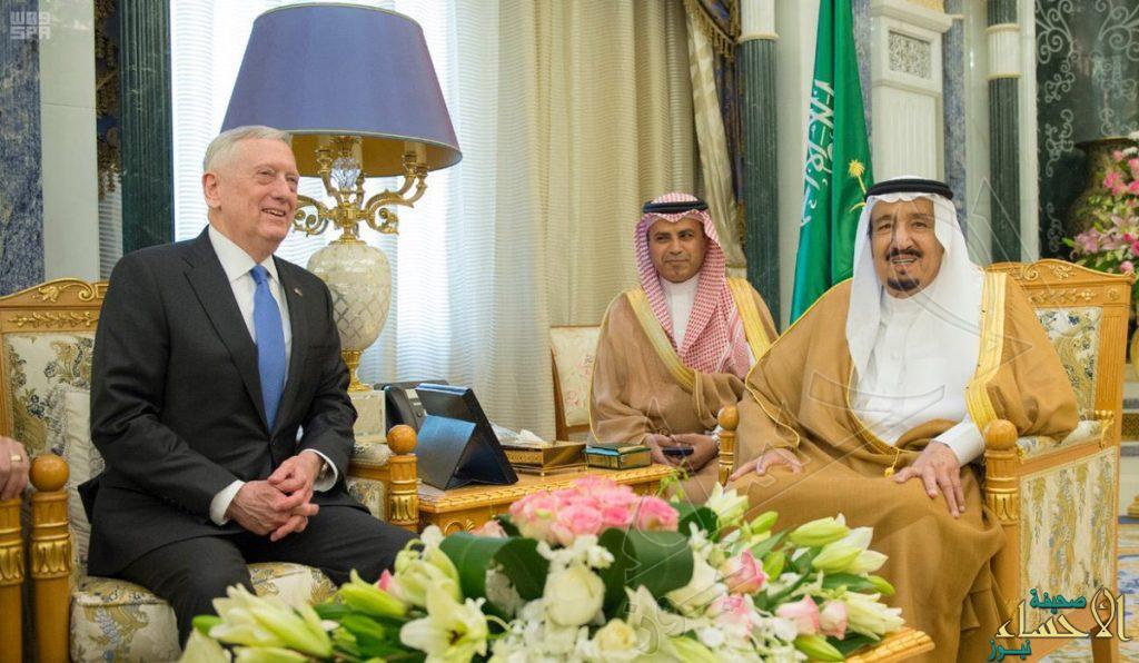 خادم الحرمين يستقبل وزير الدفاع الأمريكي لتعزيز العلاقات بين الرياض وواشنطن