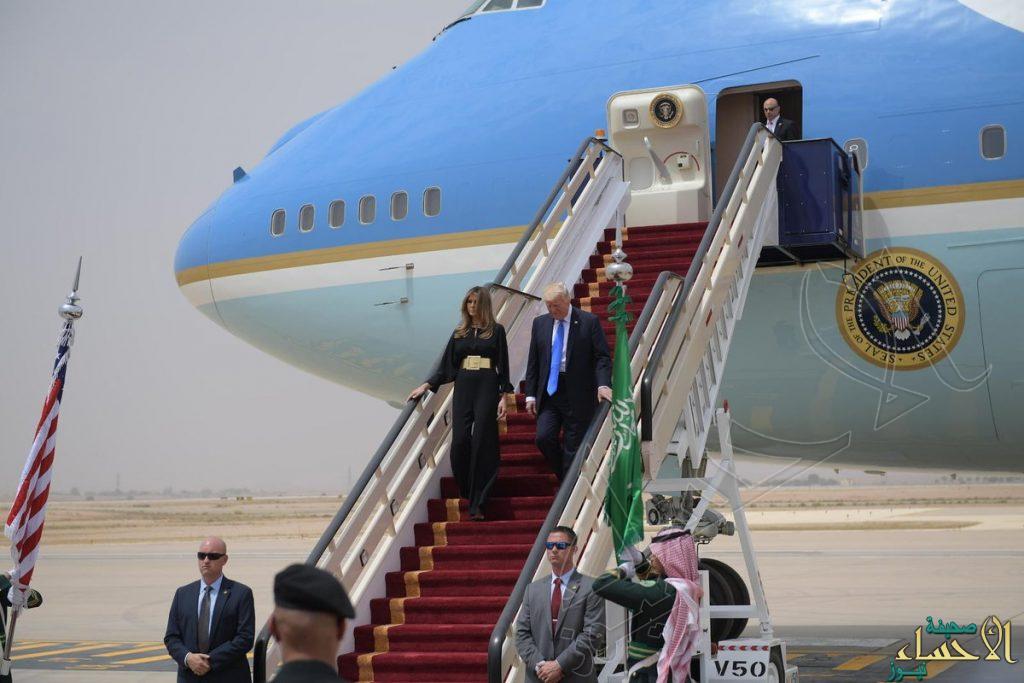 بالصور.. ترامب يصل الرياض وخادم الحرمين في مقدمة مستقبليه