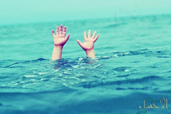 """""""حرس الحدود"""" ينقذ مواطناً من الغرق بـ""""الخبر"""""""