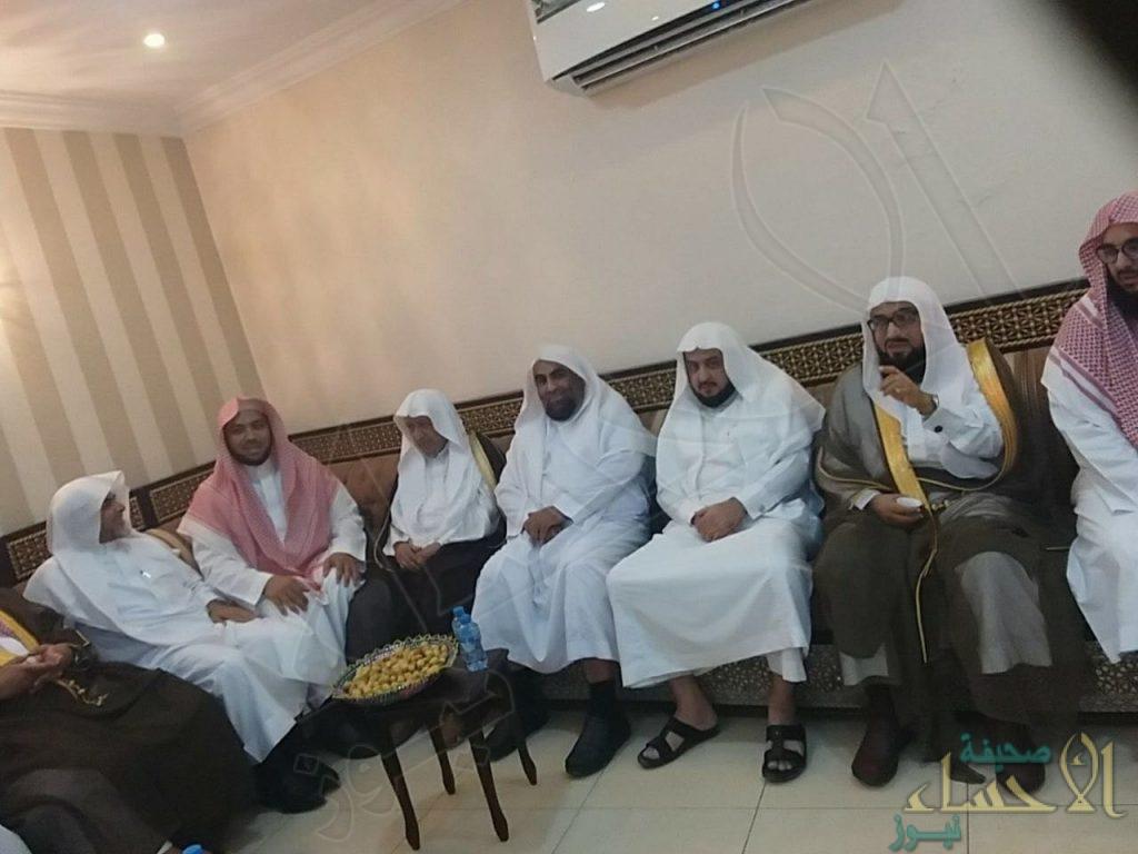 """الشيخ عبدالله بوعبيد يحتفي بتعيين """"السميّح"""" مديراً للشؤون الإسلامية بالشرقية"""