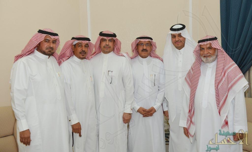 الشاب عبدالعزيز المخيزيم يحتفل بعقد قرانه