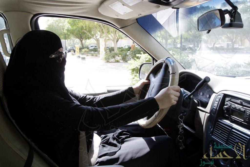 لهذا السبب .. النساء أفضل من الرجال في قيادة السيارات!!
