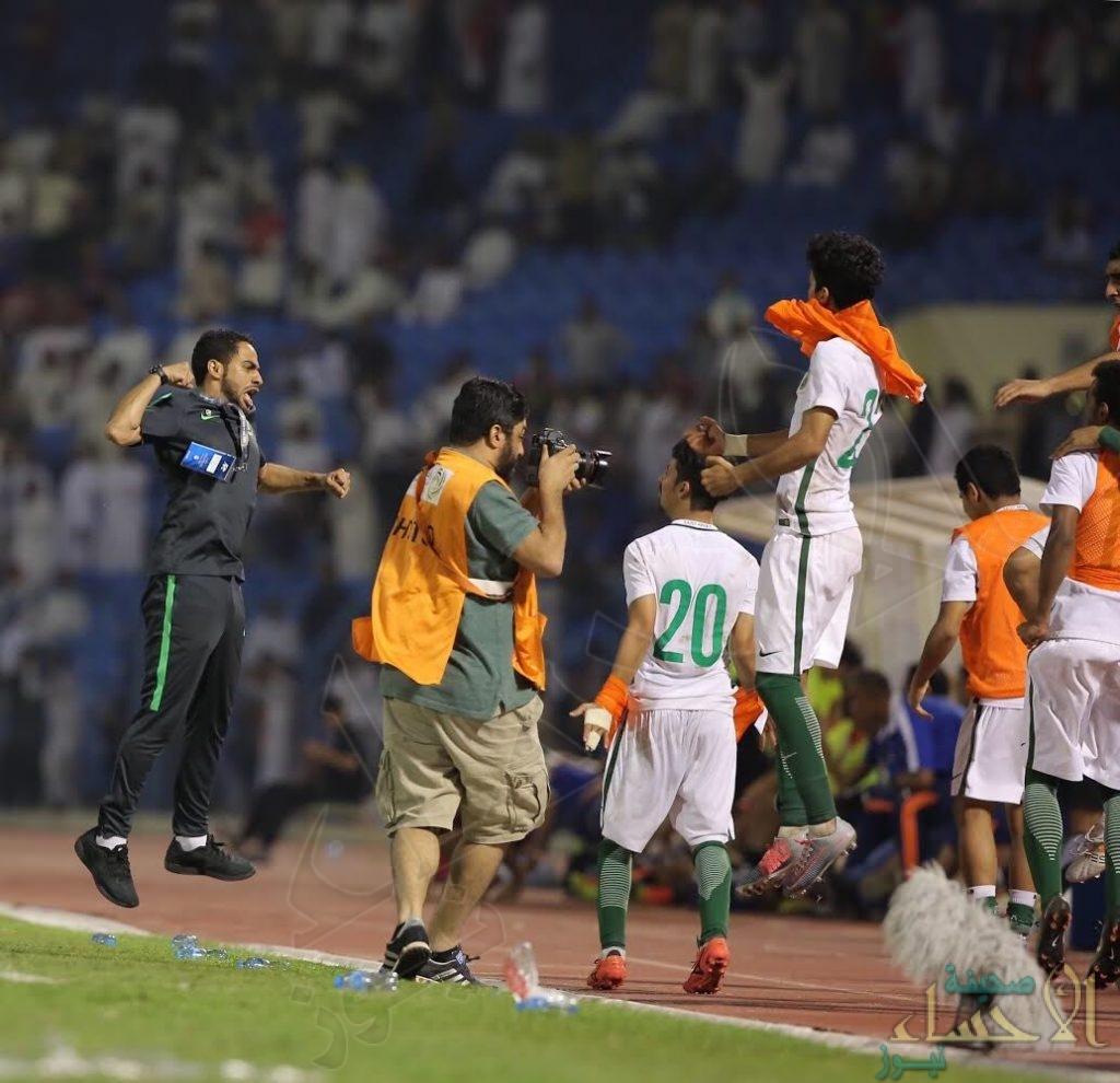 رئيس هيئة الرياضة يهنىء الأخضر الشاب بالتأهل لكأس آسيا.. ويقدم مكافأة للاعبين