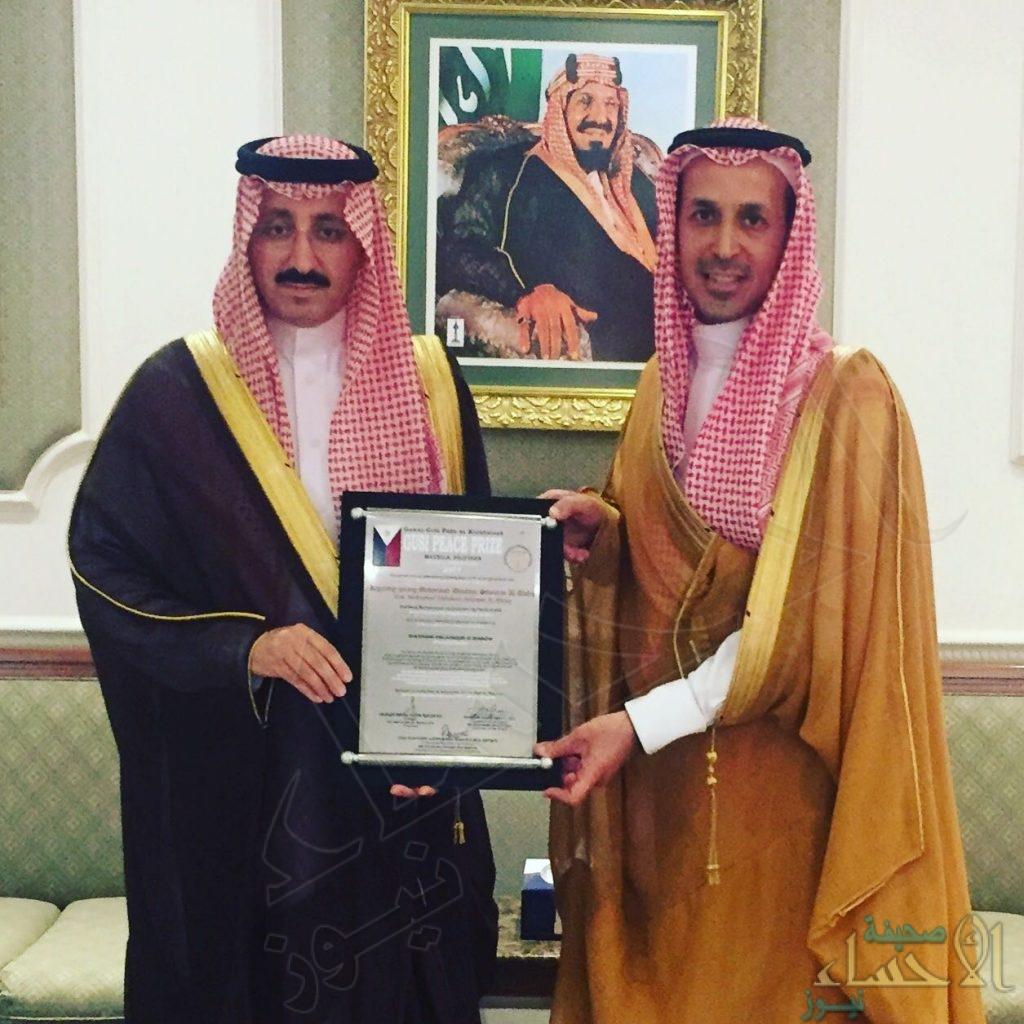 """بالصور.. أمير الأحساء يستقبل """"العفالق"""" الفائز بجائزة GUSI لـ""""الأعمال الإنسانية"""""""