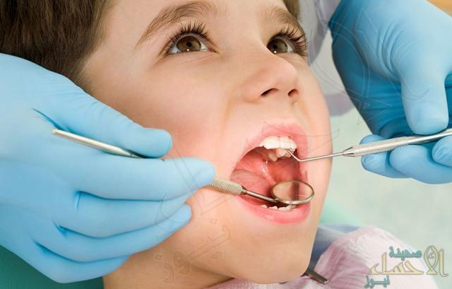 دراسة تكشف أثر مضغ الطعام على الأسنان