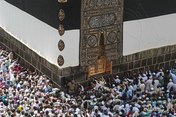 الدوحة تواصل منع القطريين من أداء العمرة.. والنظام يصدّهم عن المسجد الحرام