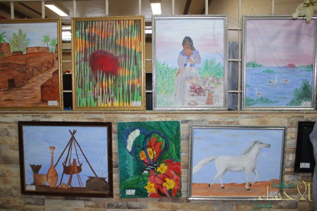 """بالصور.. """"سجن الأحساء"""" العام يقيم معرضاً تشكيلياً لنزلاءه الفنانين"""