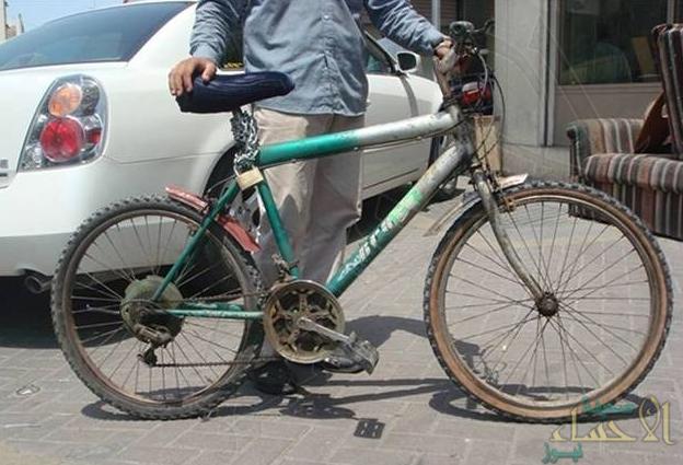 في واقعة نادرة.. تحرير مخالفة بـ 3 آلاف ريال ضد عامل قطع إشارة بدراجة هوائية في القصيم
