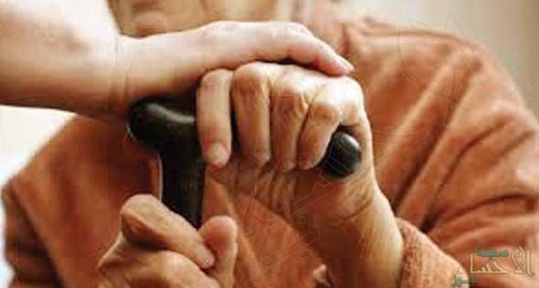 الكشف عن عدد المسنين فوق سن الـ 65 من المواطنين والمقيمين ومناطق تمركزهم