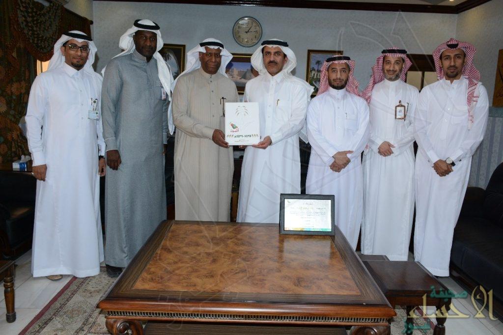 """""""سلطان بن سلمان"""" يثمّن جهود """"الحسيني"""" في تطوير السياحة بالأحساء"""