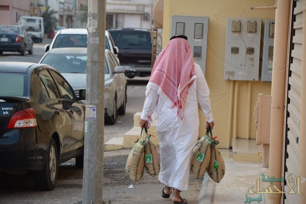 """""""بر الصالحية"""" يوزع 600 سلة غذائية لـ ٣٦٠ أسرة مستفيدة"""
