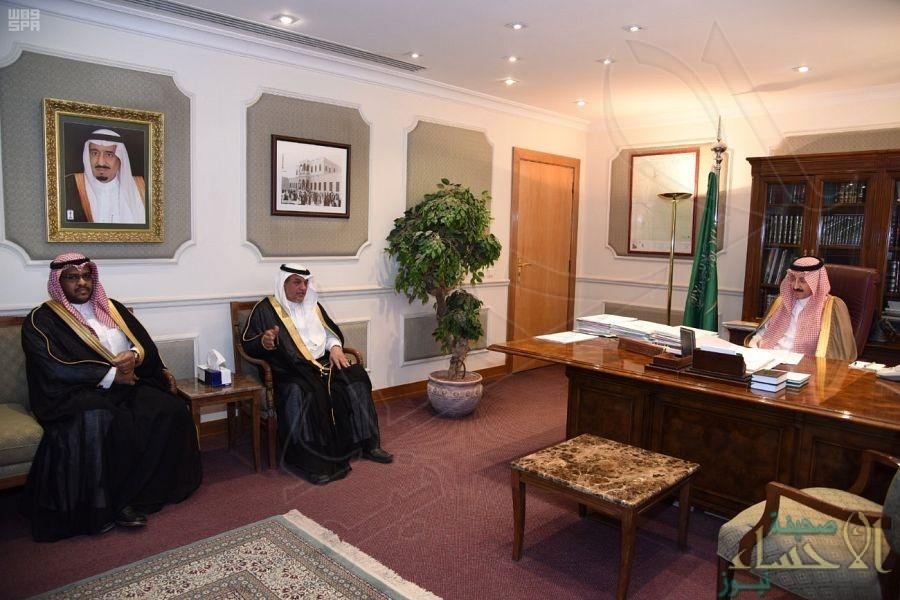 سمو الأمير بدر بن جلوي يستقبل مدير فرع المياه بالأحساء