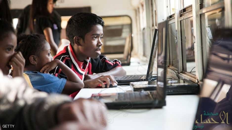 """اقتراح بريطاني للقضاء """"نهائيا"""" على إدمان الأطفال للإنترنت"""