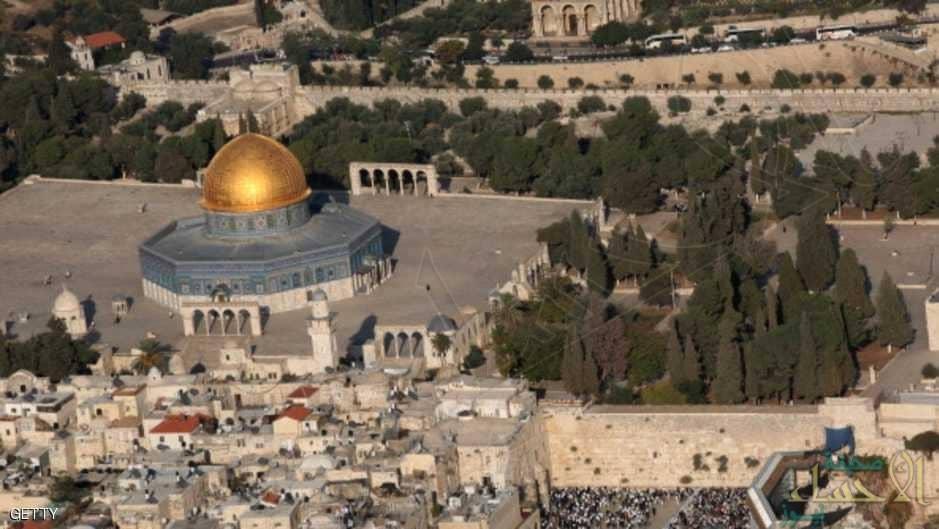دعوات لإغلاق مساجد القدس الجمعة والصلاة بالأقصى