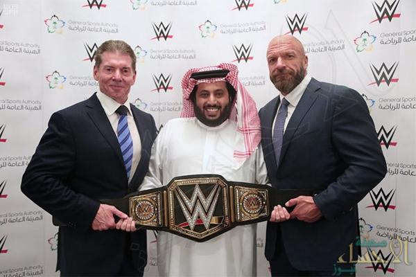 حصرياً لمدة 10 سنوات..آل الشيخ يوقّع مع WWE لإقامة منافسات المصارعة بالسعودية