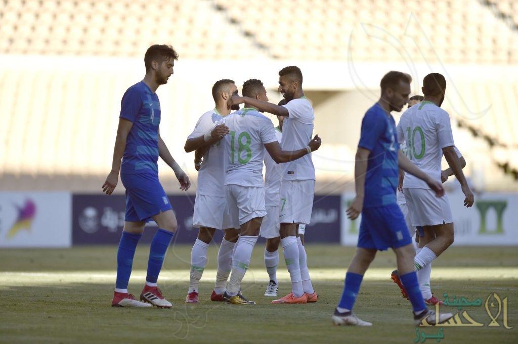 """بالصور .. المنتخب السعودي يفوز على اليونان بهدفي """"سالم"""" و """"كنو"""""""