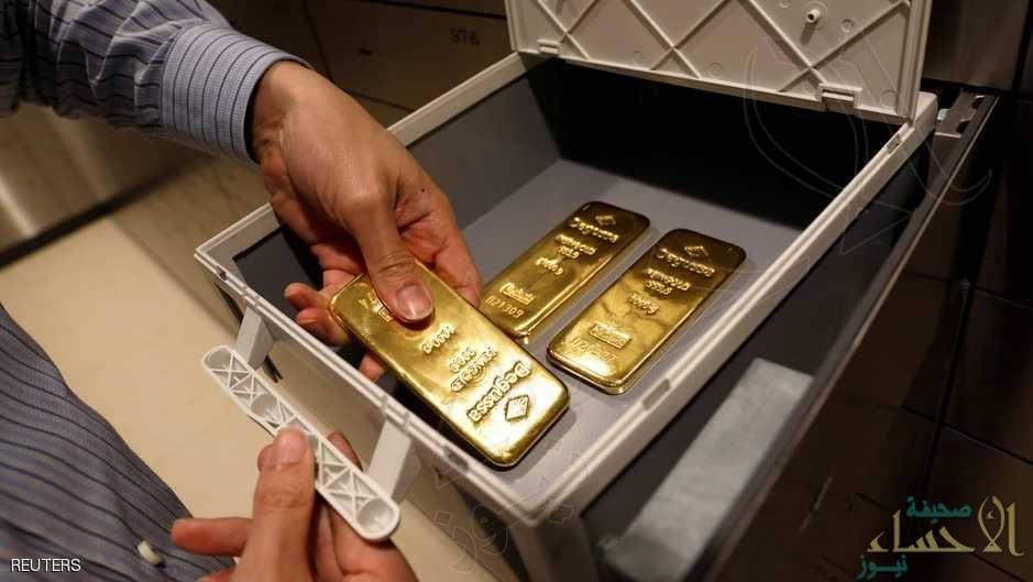الذهب يتراجع مع صعود مؤشر الدولار لأعلى مستوى