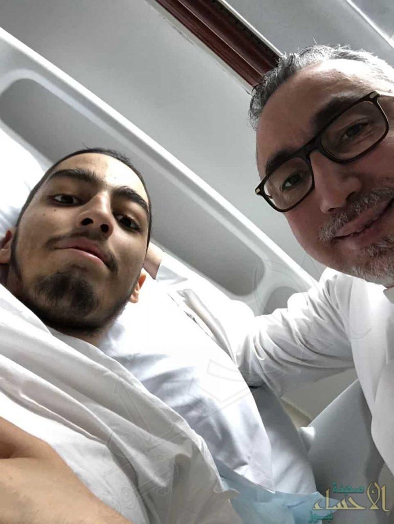 قصة موجعة بالصور.. سعودي يروي مأساة ابنه مع سرطان نادر !!