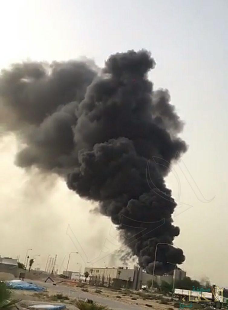 حريق يلتهم إحدى الشركات بالجبيل