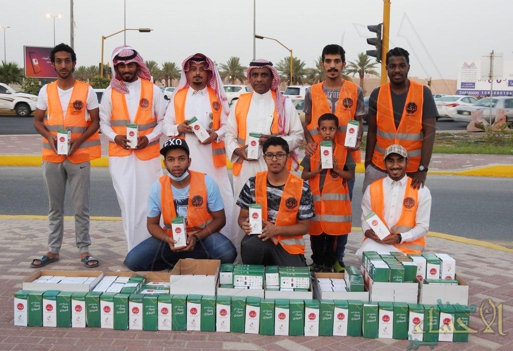 """فريق نادي الجيل التطوعي """"Paradise"""" يوزع 7000 وجبة إفطار في حملة """"تركد"""""""