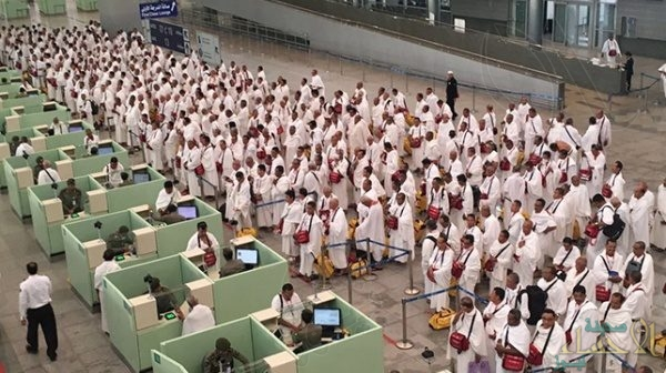 بعد تعنت سلطات الدوحة.. القطريون يتفاعلون مع مبادرة تسجيل بياناتهم للعمرة بمطار جدة