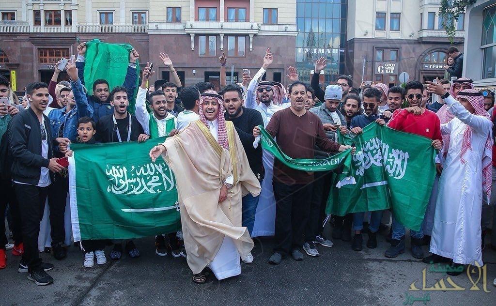 """بالصور .. جمهور المنتخب السعودي يتوافد الى روسيا لدعم """"الصقور الخضر"""""""