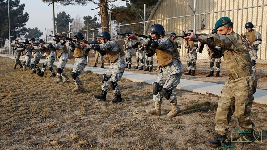 الناتو يسعى لتشكيل قوة تدخل سريع من 30 ألف جندي
