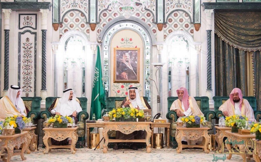 خادم الحرمين الشريفين يصل مكة المكرمة لقضاء العشر الأواخر من رمضان بجوار بيت الله الحرام
