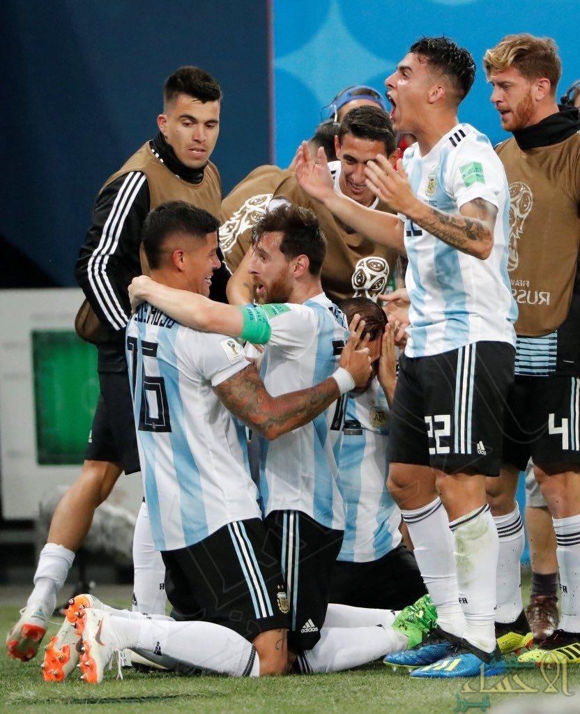 """بهدفي ميسي و روخو """"الأرجنتين"""" تضرب موعدا مع فرنسا في دور الـ16 من المونديال"""