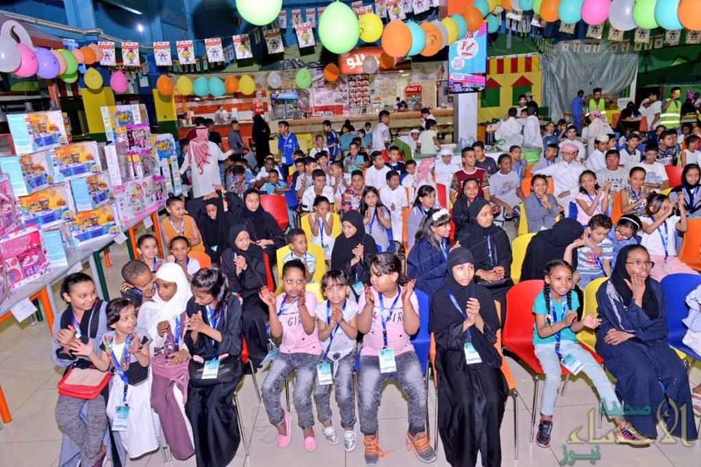 """بالصور .. """"بر الأحساء"""" تشارك 300 طفل من مستفيديها فرحة العيد"""