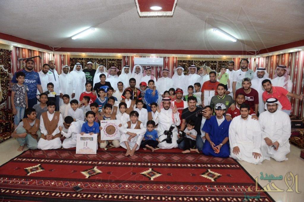 """بالصور .. تكريم أعضاء أسرة عطاء المشاركين في """" إفطار صائم """" بمدينة العمران"""