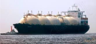 """""""السعودية"""" تعلّق جميع شحنات النفط الخام المارة بمضيق """"المندب"""""""