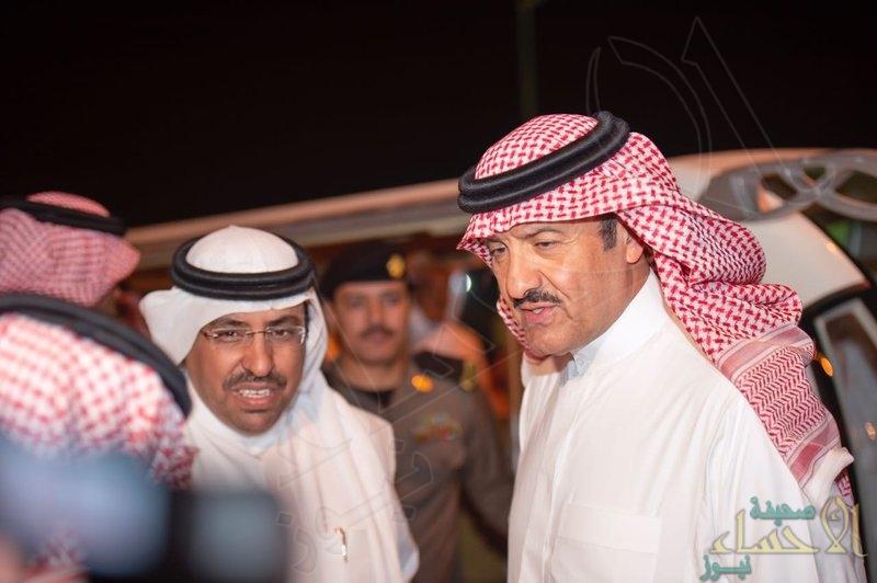 """بالصور.. """"سلطان بن سلمان"""" يتجول بين أروقة """"سوق عكاظ"""" برفقة سفير دولة الإمارات"""