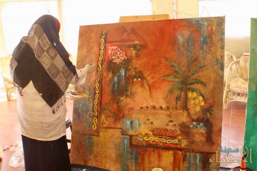 """مشرفة """"الفنون التشكيلية"""" بـ""""فنون الأحساء"""" تشارك بمهرجان دولي في """"الأردن"""""""