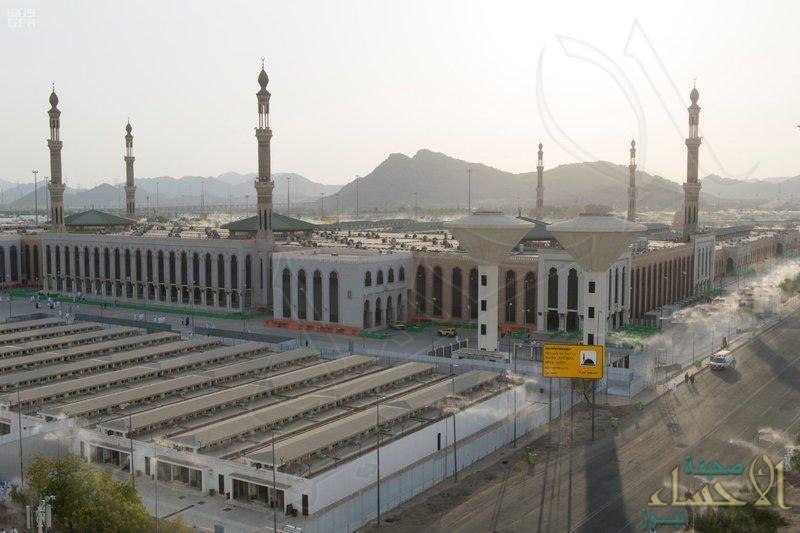 استمرار توافد حجاج بيت الله الحرام إلى صعيد عرفات الطاهر.