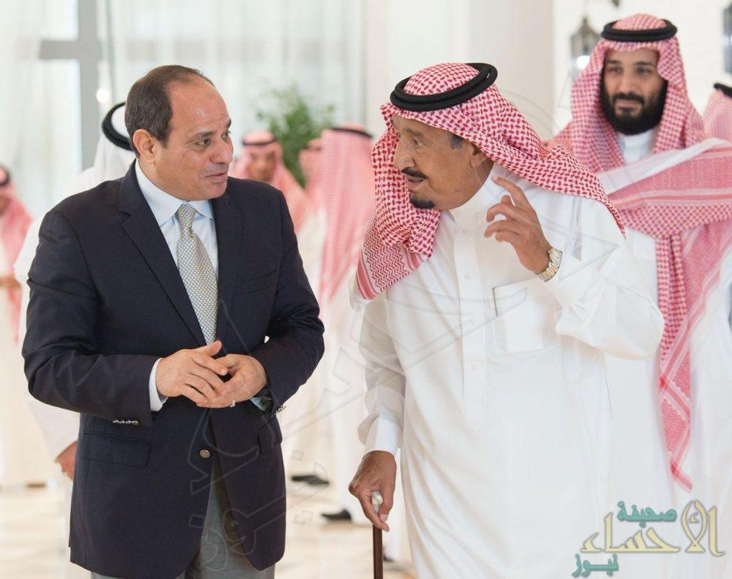 في نيوم.. خادم الحرمين الشريفين يستقبل الرئيس المصري (صور)