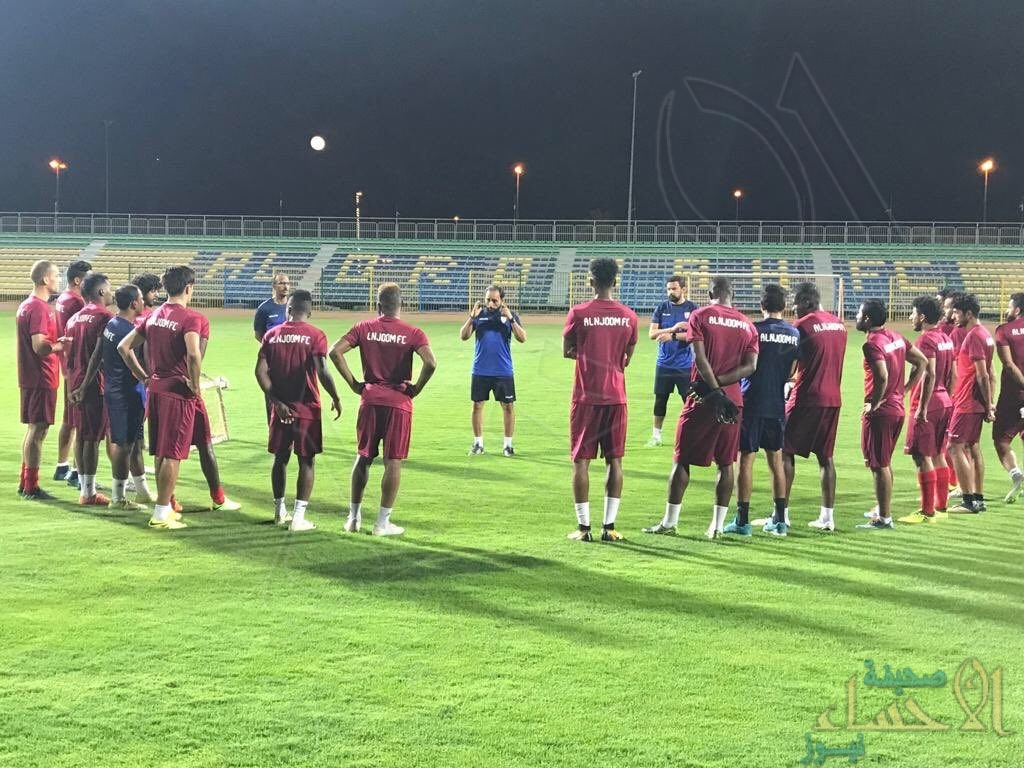 """النجوم في ورطة ، وإدارة النادي توضح: """"لا نستطيع تشكيل فريق مكتمل لخوض أولى مبارياتنا"""""""